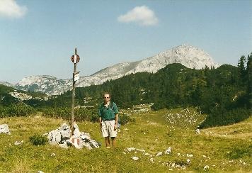 Foto: Wolfgang Dröthandl / Wander Tour / Brandstein - einsamer Hochschwab / Steinwiese - Erster Blick auf das Ziel! / 16.05.2011 14:05:45