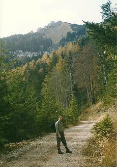 Foto: Wolfgang Dröthandl / Wander Tour / Über die Voralm zum Dreiländereck NÖ - OÖ - Stmk / Beim Einstieg in den Hugo - Zettel - Steig, gegen Stumpfmauer / 08.04.2011 11:27:55