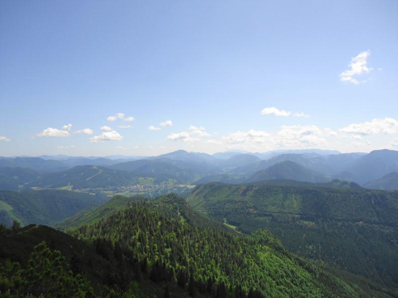 Foto: Günter Siegl / Wandertour / Zellerhüte - Rundwanderung / Mariazell, dahinter Göller und Schneeberg / 10.06.2014 16:59:39