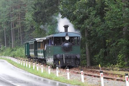 Foto: Wolfgang Dröthandl / Wandertour / Mariazellerland - Rundwanderweg / An Sommer - Wochenenden fährt die Museumstramway von Mariazell zum Erlaufsee / 20.09.2016 12:23:20