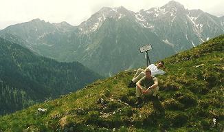 Foto: Wolfgang Dröthandl / Wander Tour / Großes Maiereck - Rundwanderung / Blick vom Gipfel nach Südwesten: Grabnerstein, Natterriegel, Hexenstein (Haller Mauern) / 06.04.2011 16:16:39