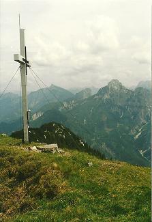 Foto: Wolfgang Dröthandl / Wander Tour / Großes Maiereck - Rundwanderung / Maiereck - Gipfel gegen Tamischbachturm, Tieflimauer, Kl. Buchstein und Lugauer / 06.04.2011 16:15:16