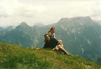 Foto: Wolfgang Dröthandl / Wander Tour / Großes Maiereck - Rundwanderung / Blick vom Gipfel nach Südosten: Tieflimauer, Kl. Buchstein, Lugauer, Gr. Buchstein / 06.04.2011 16:17:30