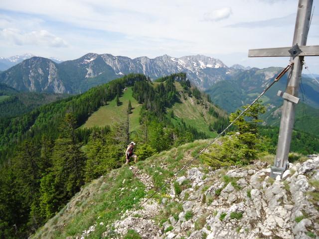 Foto: Günter Siegl / Wander Tour / Über die Ebenforstalm auf Alpstein und Trämpl / Alpstein mit Blick auf den Trämpl und im Hintergrund das Sengsengebirge / 03.06.2012 20:21:59