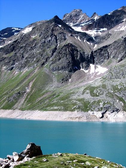 Foto: Andreas Koller / Wandertour / Dreiseen-Hütte - Sulzkogel (3016m) / Steil über dem Finstertaler Speicher erhebt sich der Sulzkogel / 15.08.2013 16:20:18
