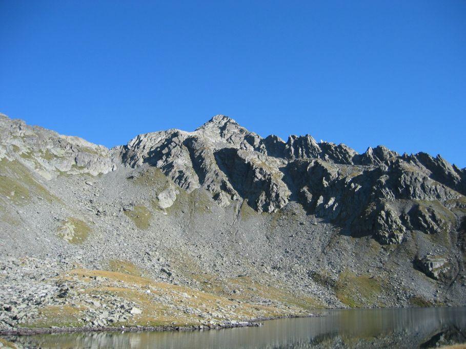 Foto: Gernot Huber / Wander Tour / Aus dem Defereggental auf die Seespitze (3021m) / Blick über den Oberseitsee zur Seespitze / 06.03.2010 13:40:47