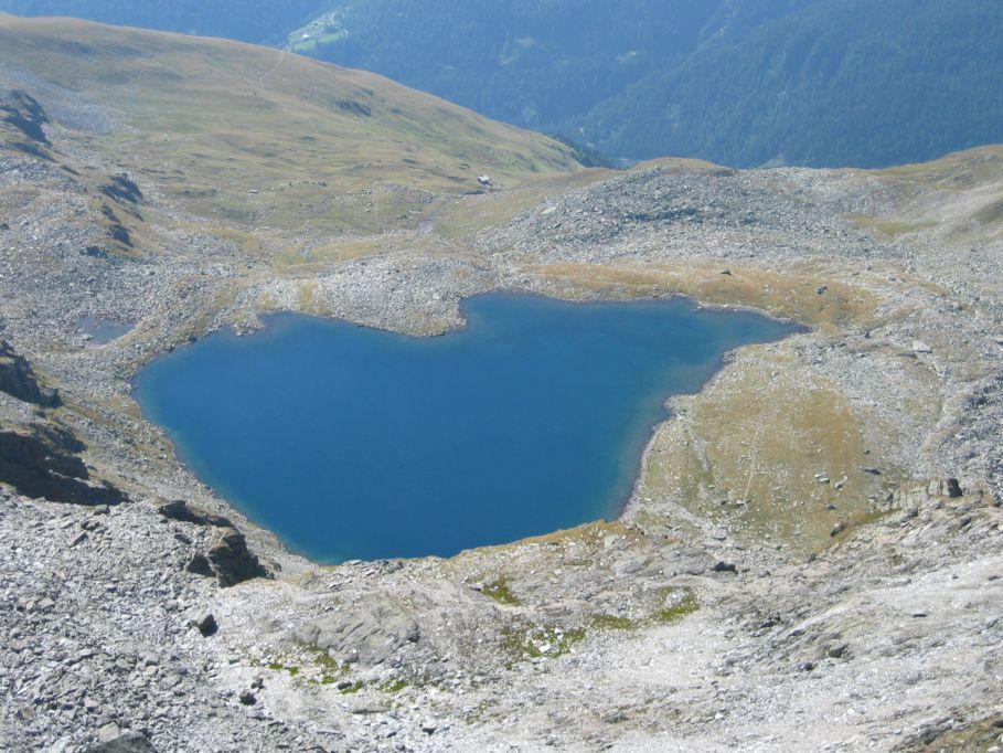 Foto: Gernot Huber / Wander Tour / Aus dem Defereggental auf die Seespitze (3021m) / See und Seespitzhütte / 06.03.2010 13:44:29