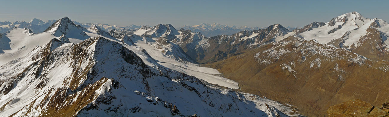 Foto: vince 51 / Wandertour / Kreuzspitze - auf den höchsten Wanderberg der Ostalpen (3457m) / Blick nach Westen auf Saykogel, Hauslabkogel, Hochjochferner, Hochjoch und ganz rechts die Weisskugel / 17.07.2009 22:35:19