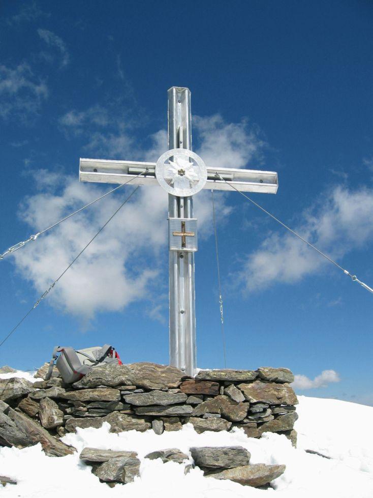 Foto: Gernot Huber / Wander Tour / Petzeck - höchster Gipfel der Schobergruppe (3283 m) / Gipfelkreuz Petzeck / 11.12.2010 18:54:21