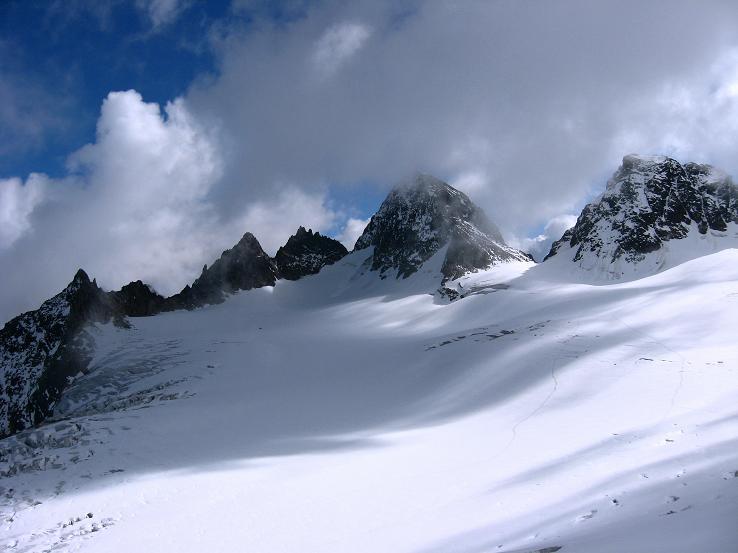 Foto: Andreas Koller / Wandertour / Piz Buin - tolle Tour auf den höchsten Berg im Ländle (3312 m) / Piz Buin vom Ochsentaler Gletscher / 11.10.2007 23:39:07