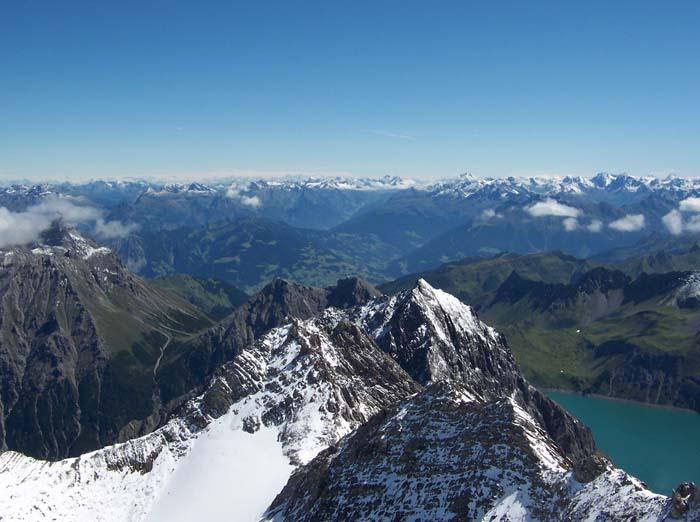 Foto: vince 51 / Wandertour / Douglashütte - Schesaplana, 2965m / Panorama / 17.05.2008 22:49:59