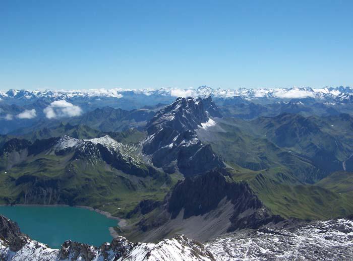 Foto: vince 51 / Wandertour / Douglashütte - Schesaplana, 2965m / Panorama / 17.05.2008 22:50:13