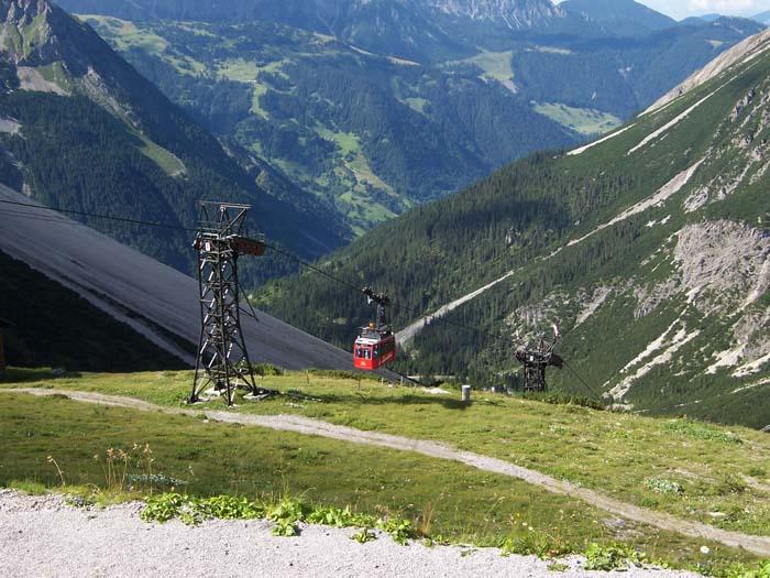 Foto: vince 51 / Wandertour / Douglashütte - Schesaplana, 2965m / Lünerseebahn / 17.05.2008 22:41:42