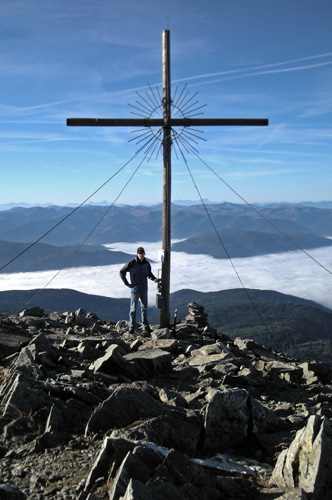 Foto: Samson / Wander Tour / Über die Grazer Hütte auf den Preber / Gipfelkreuz des Prebers auf 2.740 m / 05.10.2009 10:01:09
