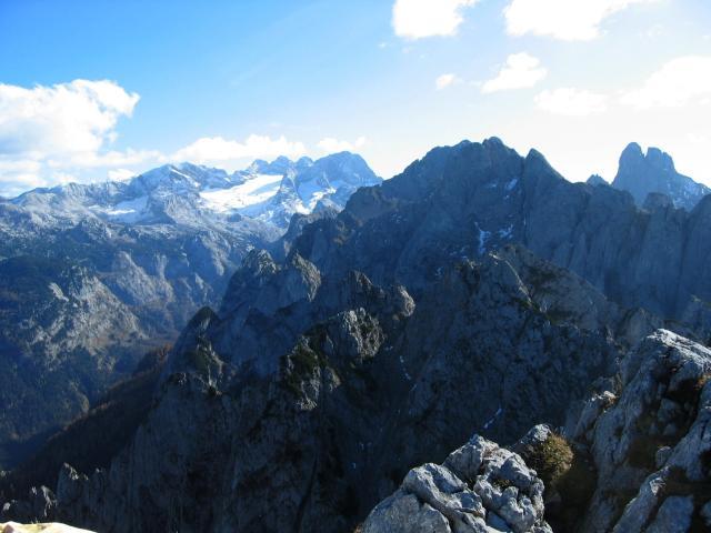 Foto: pepi4813 / Wander Tour / Donnerkogel-Wanderung  / Blick zum Dachstein und Bischofsmütze / 18.07.2009 18:36:14