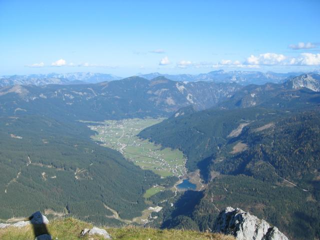 Foto: pepi4813 / Wander Tour / Donnerkogel-Wanderung  / Blick vom Donnerkogel nach Gosau / 18.07.2009 18:35:41