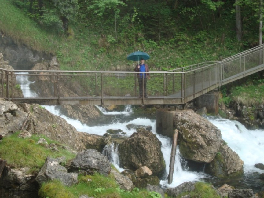 Foto: Wolfgang Dröthandl / Wander Tour / Von Gasteig zum Purtschellerhaus / nasser Aufstieg zum Ursprung / 07.06.2017 13:17:48