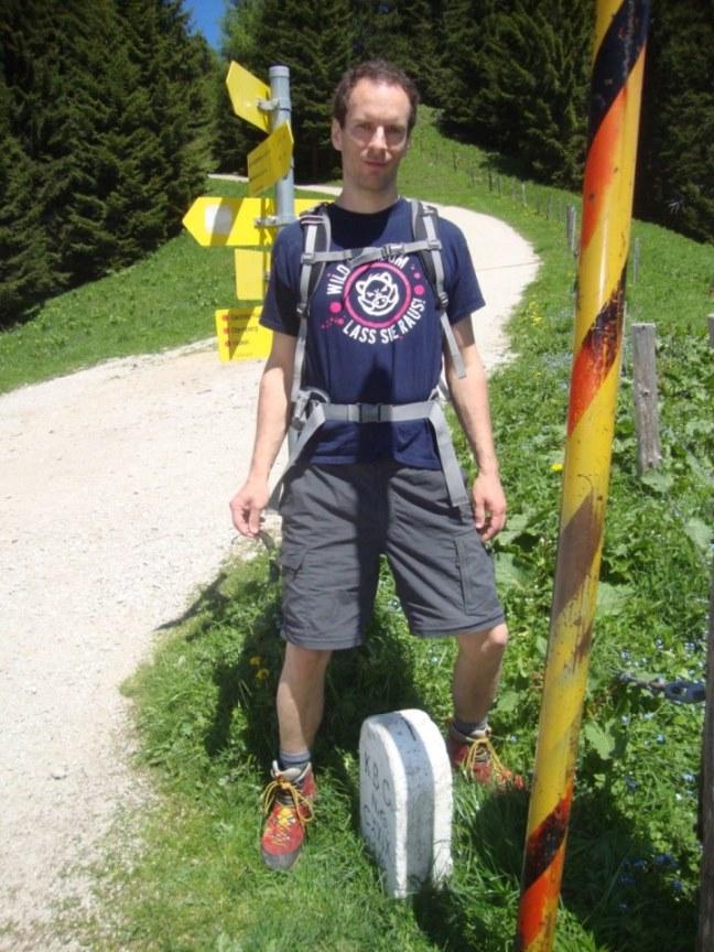 Foto: Wolfgang Dröthandl / Wander Tour / Von Gasteig zum Purtschellerhaus / Am Eckersattel (mit einem Fuß in Ö und einem Fuß in D...) / 07.06.2017 13:08:52
