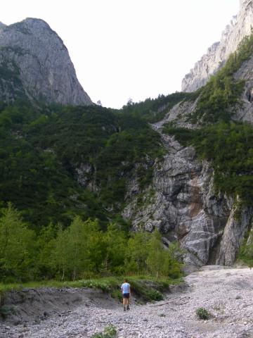 Foto: Wolfgang Lauschensky / Wander Tour / Durch das Kleine Griesener Kar auf das Lärchegg  / Zustieg ins Kleine Griesnerkar links der Felsen / 31.07.2012 22:04:43