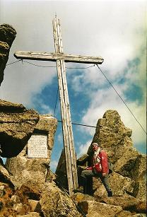 Foto: Wolfgang Dröthandl / Wander Tour / Fußwallfahrt nach Maria Schnee / Abstieg über das Türkenfeld (Hochalm), Weltkriegskreuz / 28.03.2011 16:45:50