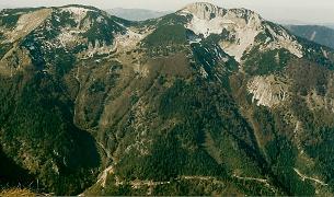 Foto: Wolfgang Dröthandl / Wandertour / Aus dem Mendlingtal auf den Gamsstein / Blick vom Gipfel auf Stumpfmauer / Voralm / 28.03.2011 16:30:27