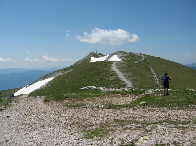 Foto: bestfriend / Wander Tour / Über den Fadensteig zum Klosterwappen (Rundwanderung) / Blick Richtung Kloserwappen / 21.07.2008 16:55:46