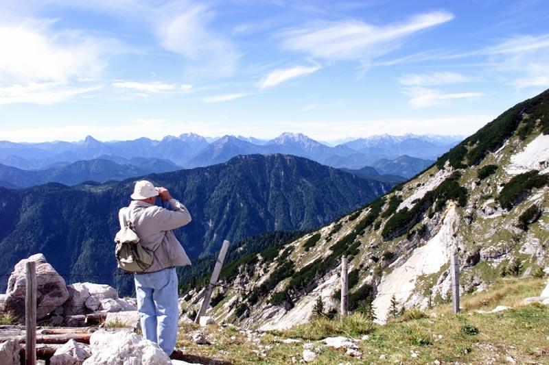 Foto: Tourismusverein Göstling Alpen / Wander Tour / Hochkar - Dürrenstein / Ausblick auf die umliegende Bergwelt / 22.10.2008 16:28:56