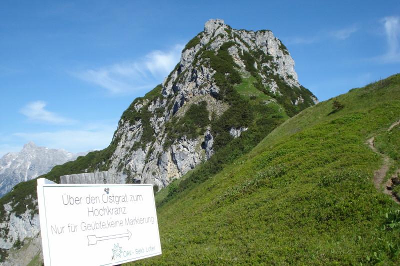 Foto: Günter Siegl / Wander Tour / Hochkranz, 1953m / Weggabelung nach dem Kühkranz - rechts der Ostgrat, links der Normalweg. / 08.06.2011 11:47:41