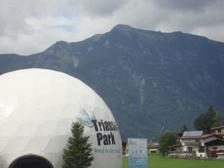 Foto: Wolfgang Dröthandl / Wander Tour / Von der Waidringer Steinplatte auf das Fellhorn / Fellhorn vom Parkplatz der Gondelbahn Waidring / 23.08.2016 13:13:42