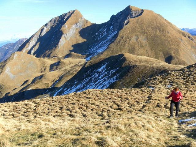 Foto: Wolfgang Lauschensky / Wander Tour / Rauris-Grubereck / Bernkogel und Sladinkopf vom Ostrücken des Gruberecks / 29.11.2011 22:56:23