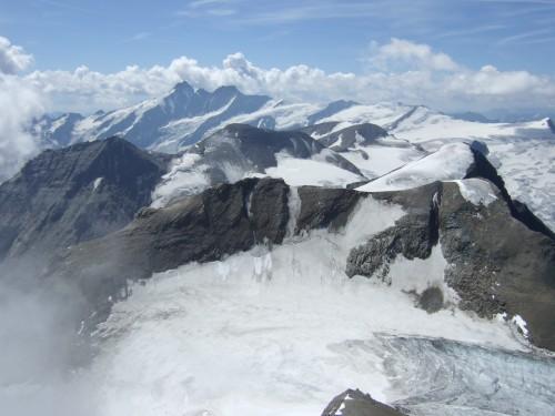 Foto: hofchri / Wander Tour / Vom Mooserboden auf das Große Wiesbachhorn (3564 m) / Aussicht zum Großglockner / 30.09.2009 20:36:49