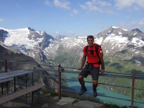 Foto: hofchri / Wander Tour / Vom Mooserboden auf das Große Wiesbachhorn (3564 m) / beim Heinrich Schwaiger Haus / 30.09.2009 20:22:38