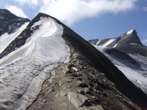 Foto: hofchri / Wander Tour / Vom Mooserboden auf das Große Wiesbachhorn (3564 m) / der erste Firngrat ist meist aper / 30.09.2009 20:28:37