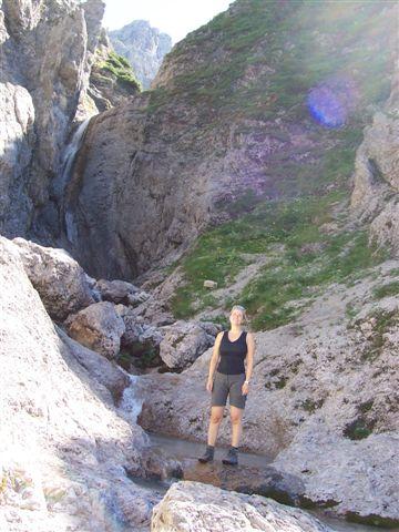 Foto: Karlheinz Kutil / Wander Tour / Dolomitensteig im Hinteren Stodertal / Einer der vielen Wasserfälle / 20.08.2008 21:42:16