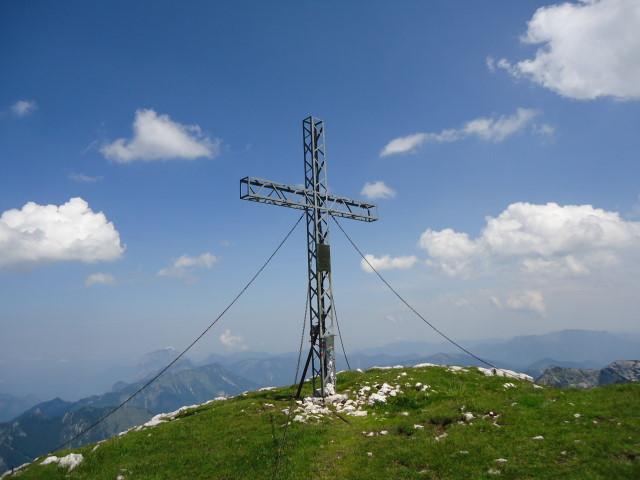 Foto: Günter Siegl / Wander Tour / Über die Ebenseer-Hochkogelhütte auf den Schönberg / Am kleineren Gipfel das größere Kreuz. / 07.07.2012 17:33:14