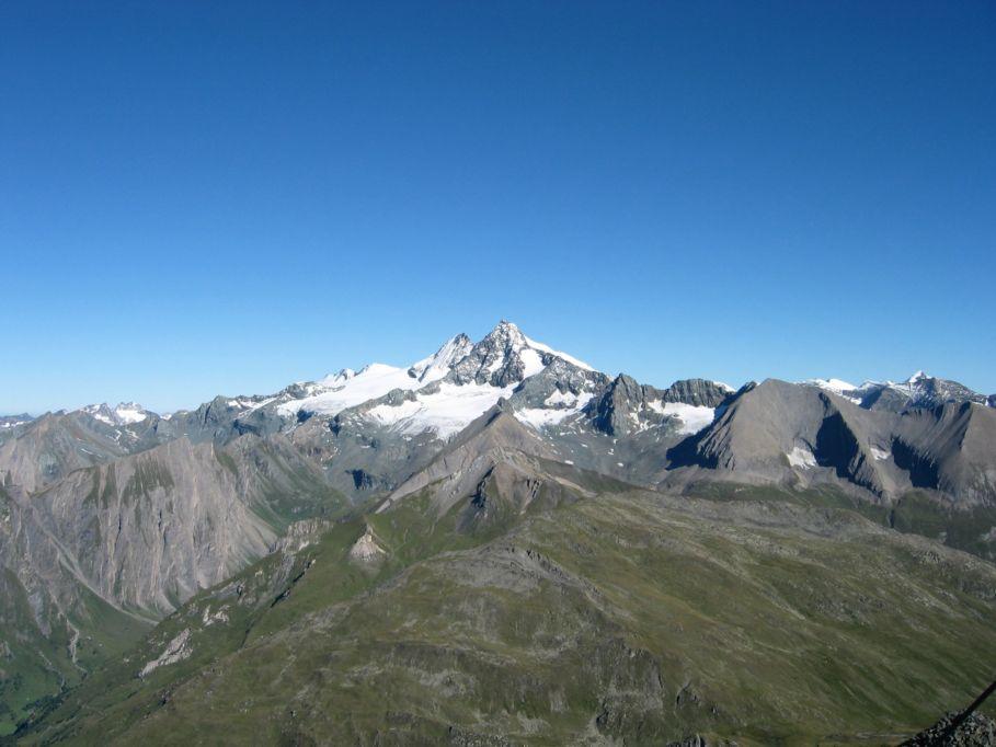 Foto: Gernot Huber / Wander Tour / Böses Weibl vom Lucknerhaus (3121 m) / Blick zum Glockner vom Gipfel / 06.03.2010 14:27:51