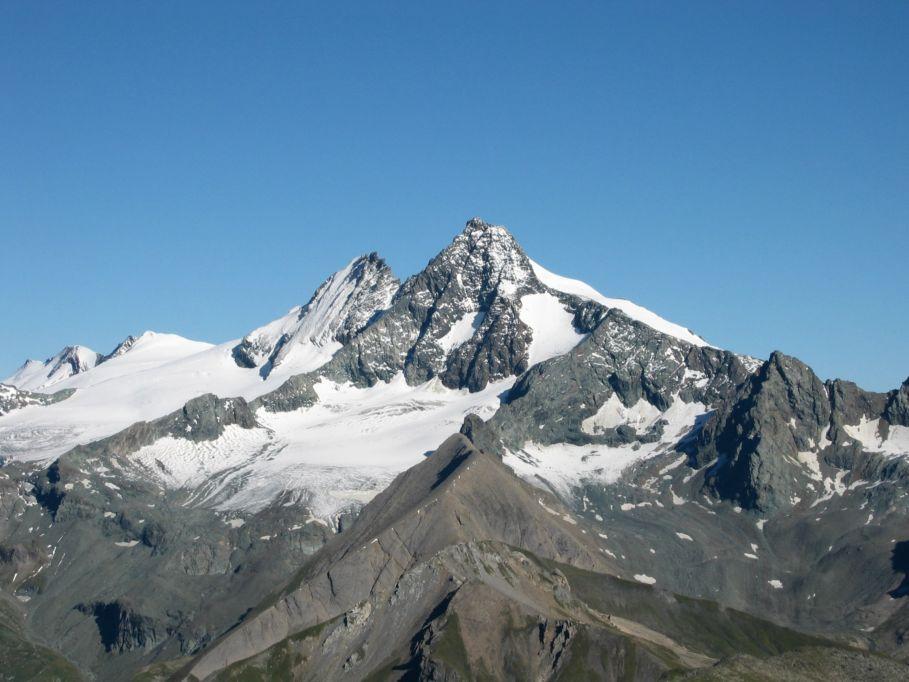 Foto: Gernot Huber / Wander Tour / Böses Weibl vom Lucknerhaus (3121 m) / Groß Glockner vom Gipfel Böses Weibl / 06.03.2010 14:27:01