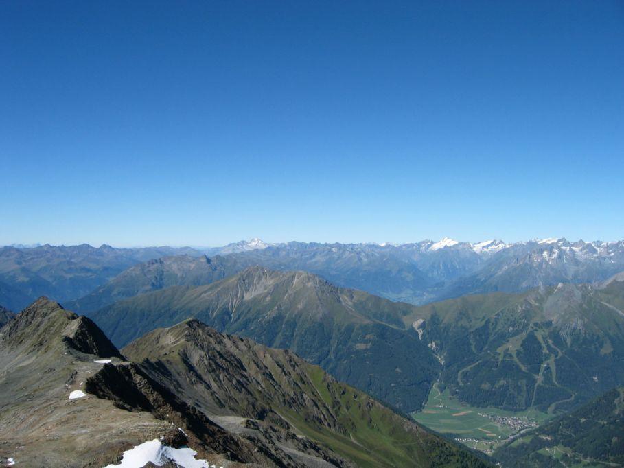 Foto: Gernot Huber / Wander Tour / Böses Weibl vom Lucknerhaus (3121 m) / Richtung Rieserfernergruppe Hochgall / 06.03.2010 14:23:31