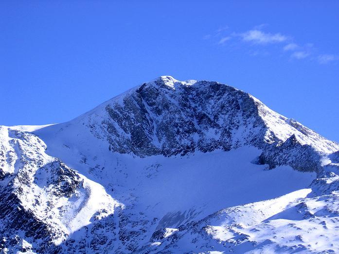 Foto: Andreas Koller / Wander Tour / Vom Tuxer Ferner auf den Hohen Riffler (3231 m) / Der Hohe Riffler von NW mit Schwarzbrunner Kees und Gipfelflanke / 03.11.2007 19:50:37