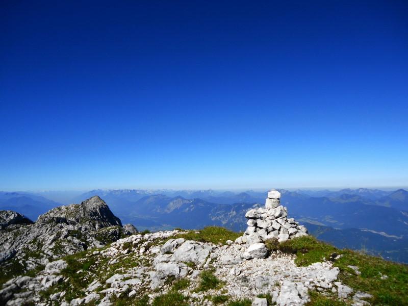 Foto: Günter Siegl / Wander Tour / Von Bärnstatt auf Scheffauer und Sonneck / Gipfel Hackenköpfe / 11.09.2016 17:40:47