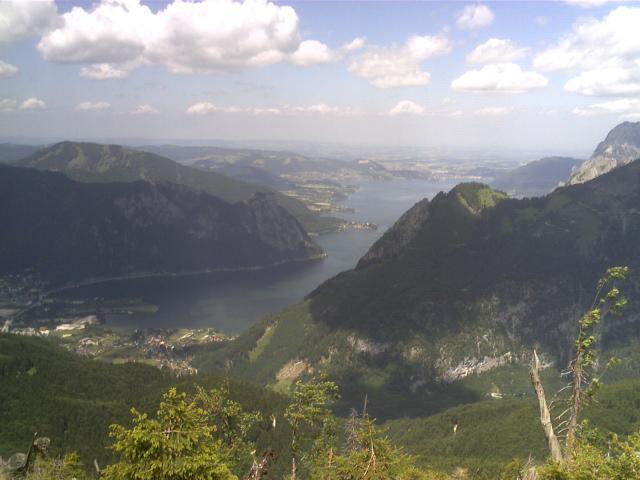 Foto: pepi4813 / Wander Tour / Von Rindbach auf den Eibenberg / Blick vom Aufstiegsweg zum Traunsee mit Traunstein / 09.07.2009 22:07:16