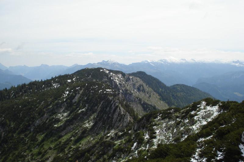 Foto: Günter Siegl / Wandertour / Überschreitung des Katergebirges / Blick vom Rosskopf zum Hainzen / 30.05.2011 07:42:43
