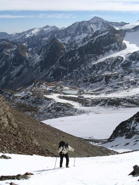 Foto: Andreas Koller / Wander Tour / Hinterer Daunkopf - ein stilles Ziel hoch über dem Stubaier Gletscherschigebiet (3225 m) / 05.06.2008 22:09:20