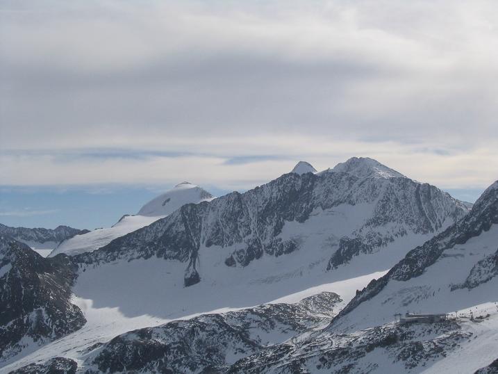 Foto: Andreas Koller / Wander Tour / Hinterer Daunkopf - ein stilles Ziel hoch über dem Stubaier Gletscherschigebiet (3225 m) / 05.06.2008 22:09:14