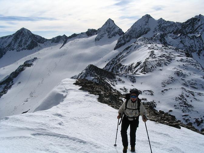 Foto: Andreas Koller / Wander Tour / Hinterer Daunkopf - ein stilles Ziel hoch über dem Stubaier Gletscherschigebiet (3225 m) / 05.06.2008 22:08:53