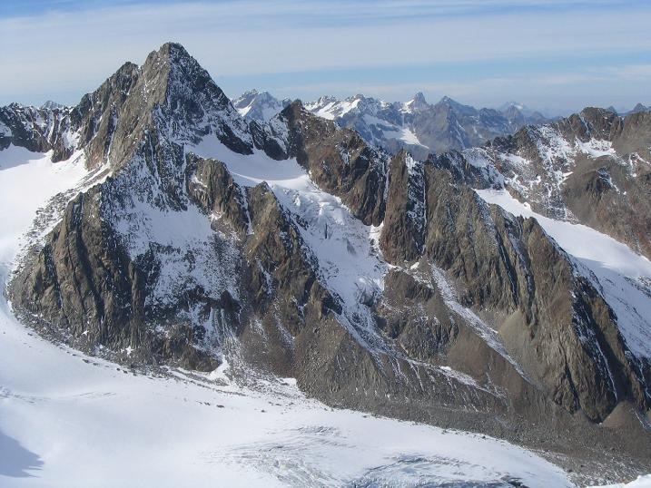Foto: Andreas Koller / Wander Tour / Hinterer Daunkopf - ein stilles Ziel hoch über dem Stubaier Gletscherschigebiet (3225 m) / 05.06.2008 22:08:06