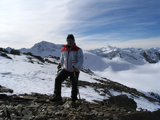 Foto: Andreas Koller / Wander Tour / Hinterer Daunkopf - ein stilles Ziel hoch über dem Stubaier Gletscherschigebiet (3225 m) / 05.06.2008 22:07:58
