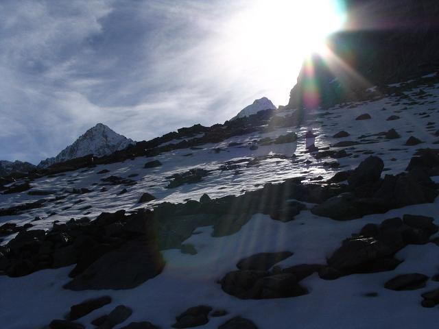 Foto: Andreas Koller / Wander Tour / Hinterer Daunkopf - ein stilles Ziel hoch über dem Stubaier Gletscherschigebiet (3225 m) / 05.06.2008 22:07:03