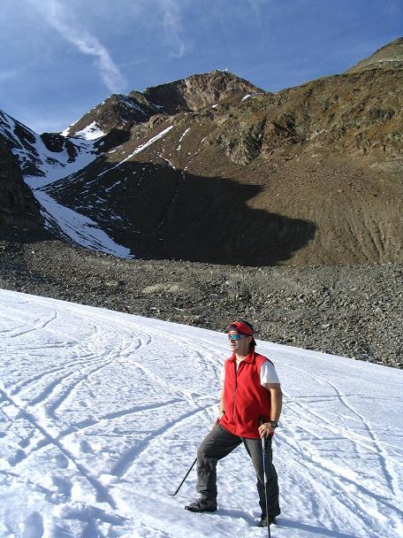 Foto: Andreas Koller / Wander Tour / Hinterer Daunkopf - ein stilles Ziel hoch über dem Stubaier Gletscherschigebiet (3225 m) / 05.06.2008 22:06:57