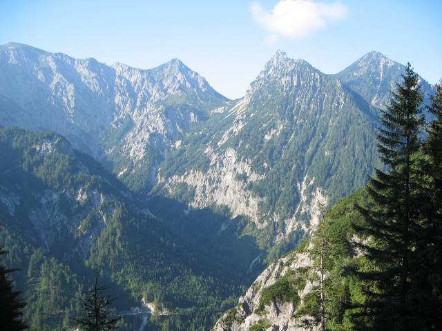 Foto: pepi4813 / Wandertour / Rinnkogel, 1823m / Blick zum Bärenpfad beim Aufstieg zum Rinnkogel / 19.07.2009 10:31:32